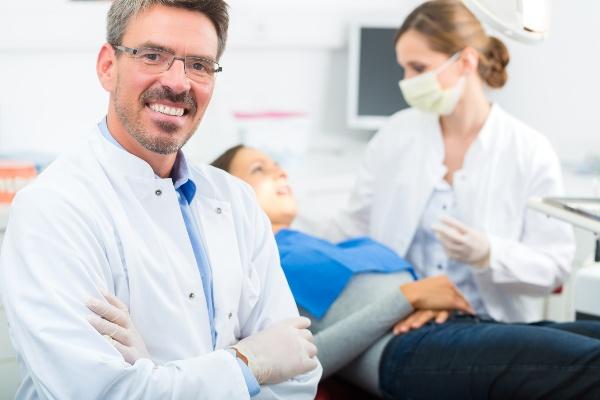 что говорят стоматологи про покрывные протезы