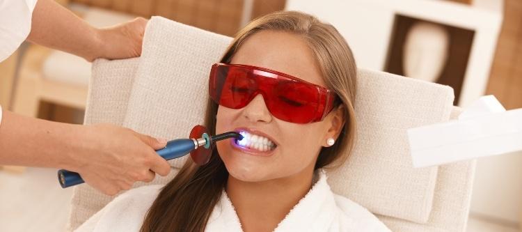 отзывы насчет лазерного отбеливания зубов