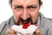 как остановить кровь после удаления зуба народными средствами