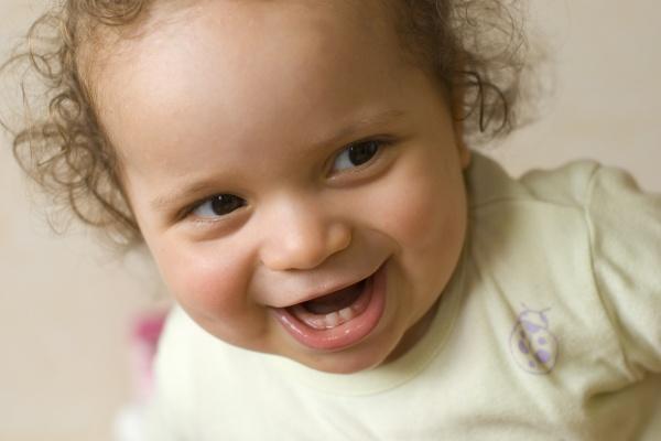 таблица с данными по времени прорезывания зубов у детей