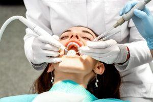 чистка полости рта перед процедурой