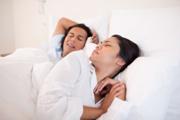 сильный скрежет зубами во сне