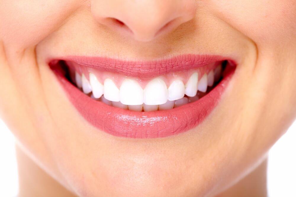 отбеливание зубов кариес