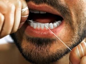 необходимость в ежедневном применении зубной нити