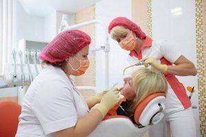 ошибки стоматолога как причины