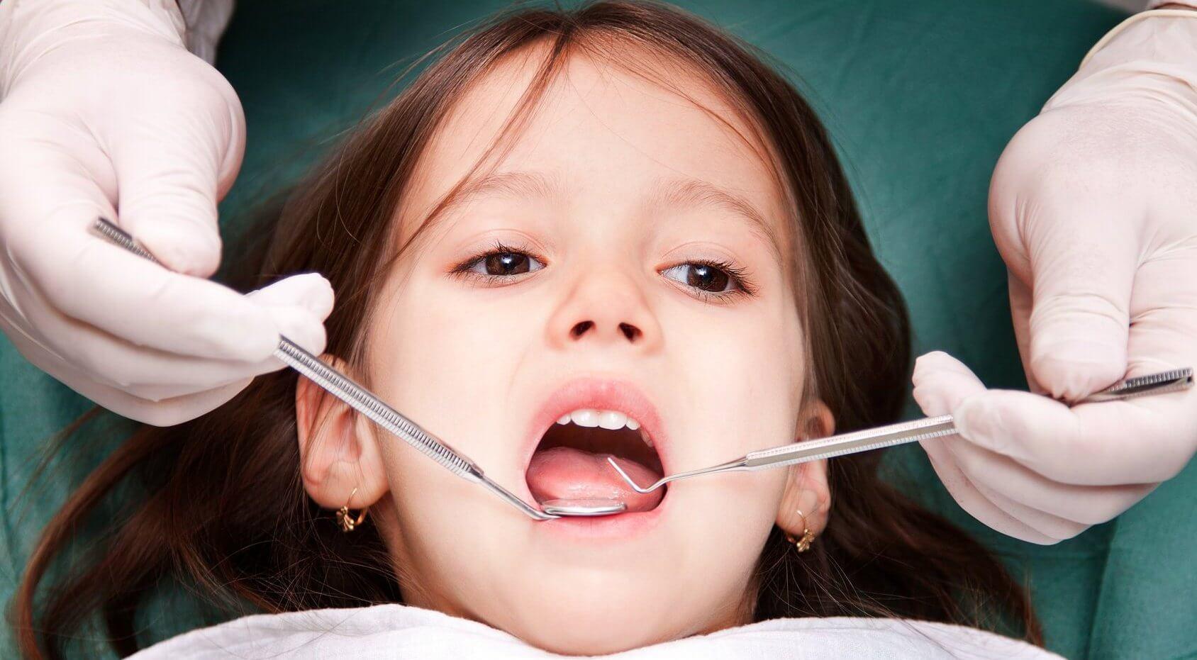 серебрение молочного зуба у ребенка