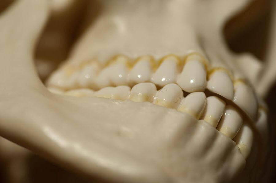 отчего щелкает челюсть при открытии рта