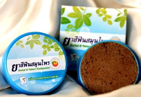 травы в зубной пасте из Тайланда