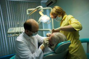 как избавиться от проблемы гниющих зубов