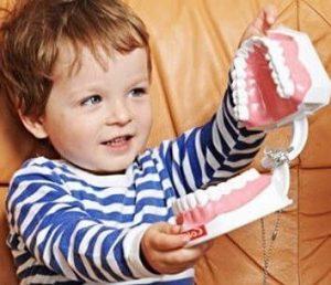 лечим крошащиеся зубы у ребенка