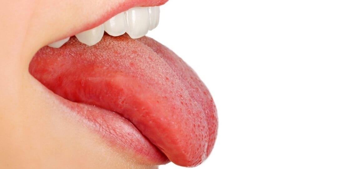 красное пятно на языке у ребенка причины появления