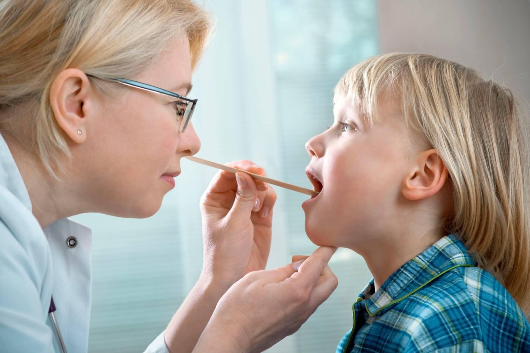 герпетический стоматит у детей, его особенности