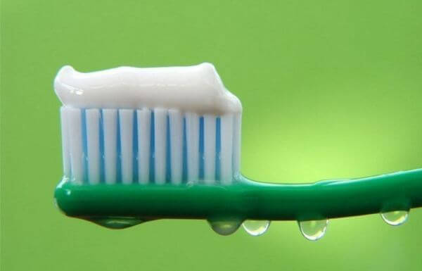 использование паст для лечения кариеса зубов