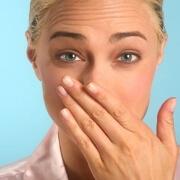 плохой запах изо рта причины