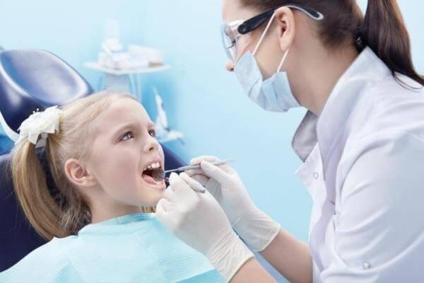 санация у ребенка в стоматологии