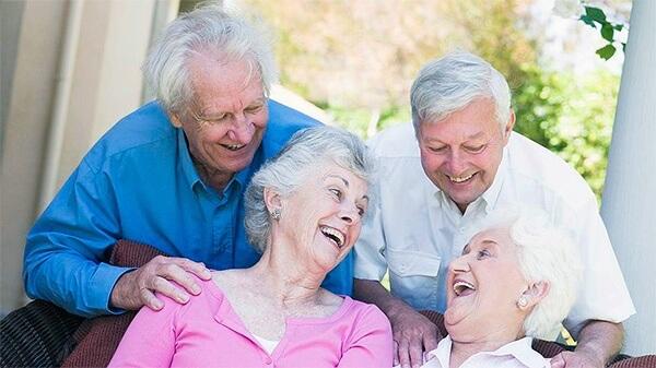 что говорят пациенты о зубном протезе из ацетала