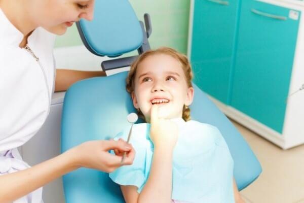 когда врач запретит процедуру фторирования зубов ребенку