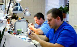 починка протезов зубов в стоматологии