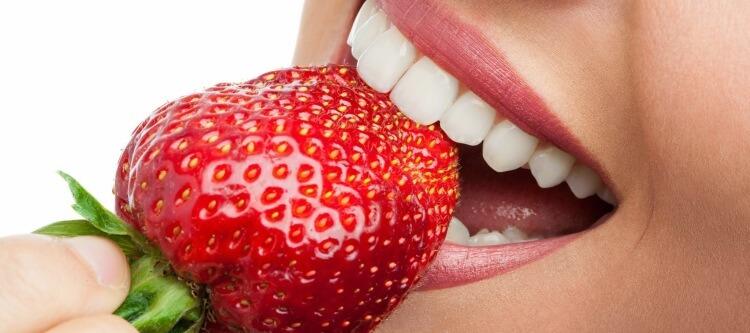 как можно отбелить эмаль зубов дома