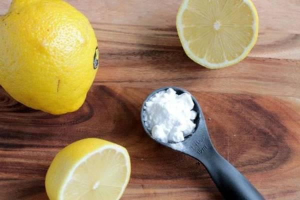 Как отбелить зубы содой и лимоном