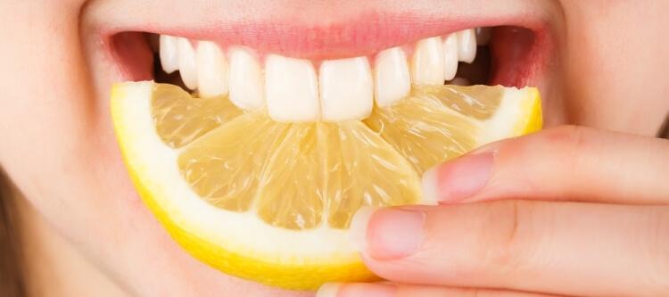 Техника отбеливания зубов лимоном