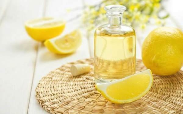 Эфирное масло лимона для отбеливания зубов