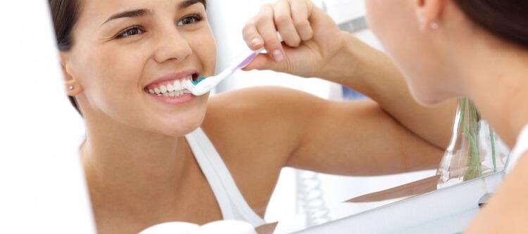 Отзывы об использовании отбеливающего зубного порошка