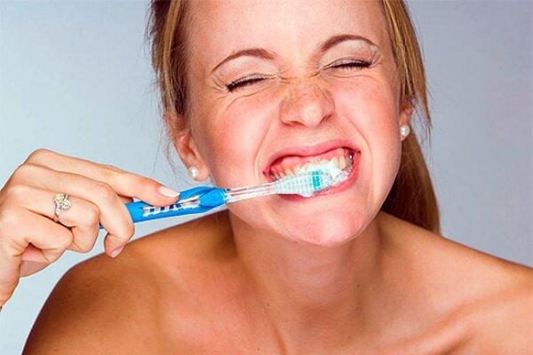 паста и сода для отбеливания зубов