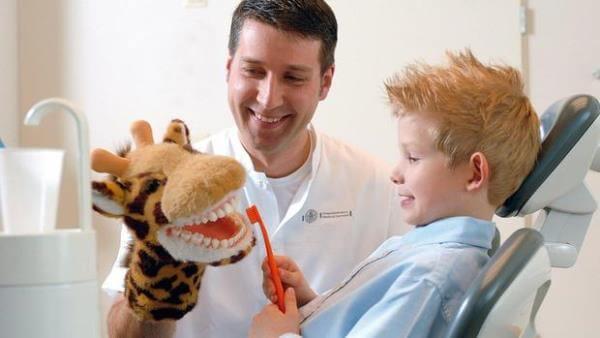 Когда вести ребенка к ортодонту