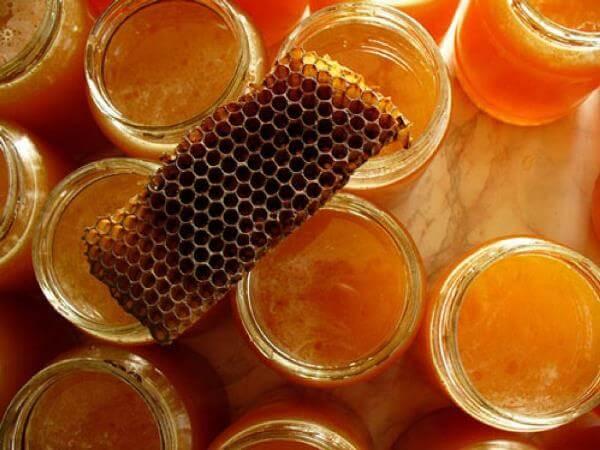 Как целебные свойства меда помогают сохранить здоровье зубов