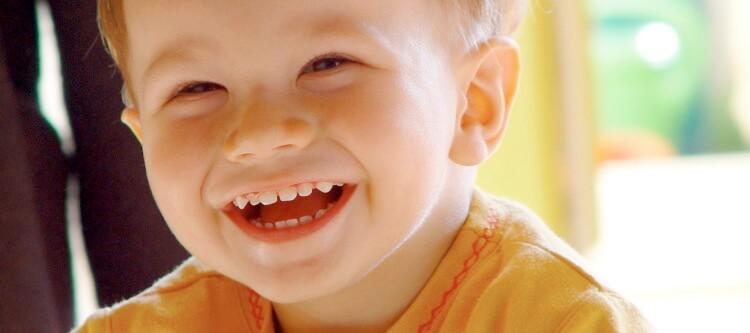 Когда проводится протезирование молочных зубов