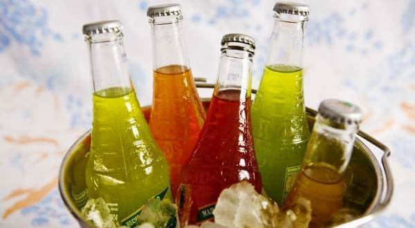 В чем вред газированных напитков