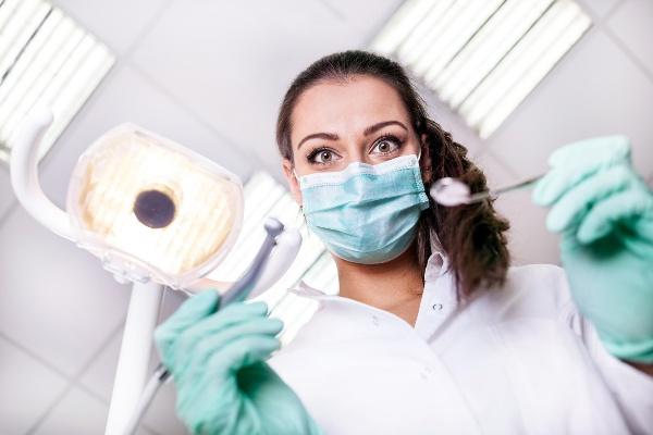 что делает врач ортопед при установке
