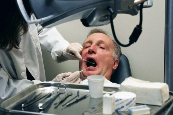 Стирание твердых тканей зубов лечение