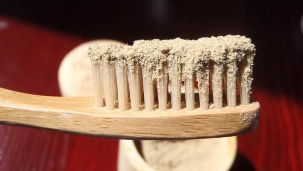 Порошок для фиксации зубных протезов