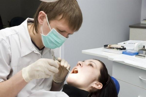 Насколько болезненный процесс снятия коронки с зуба
