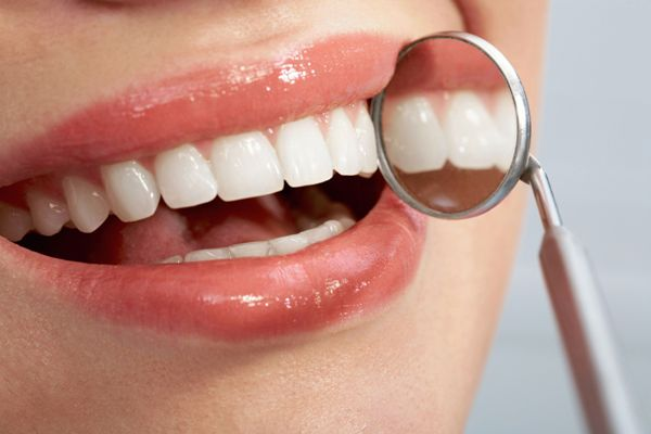 Имплантация передних верхних и нижних зубов