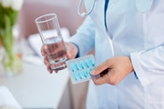 Нужно ли пить антибиотики после имплантации зуба