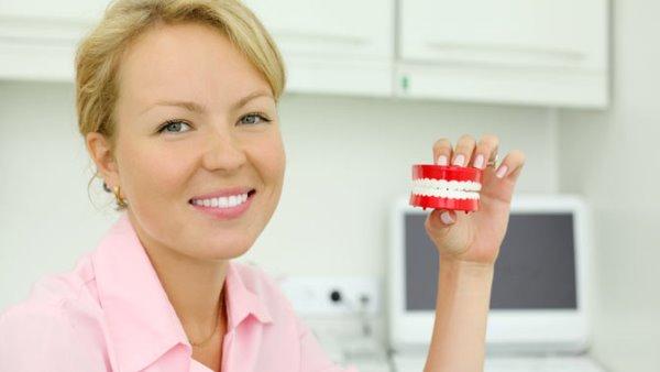 Недорогие съемные и несъемные зубные протезы