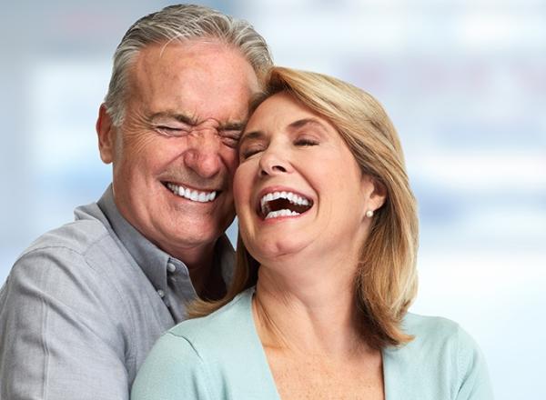Этапы проведения эндоскопической имплантации зубов