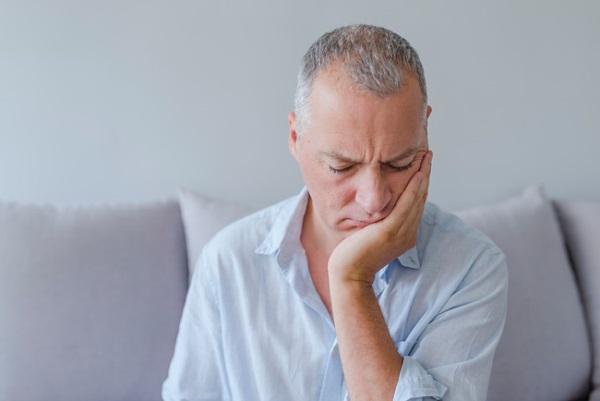 Почему болят зубы после установки виниров