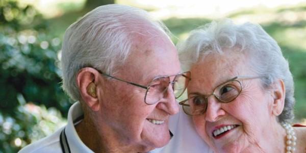 Скидки пенсионерам на имплантацию зубов